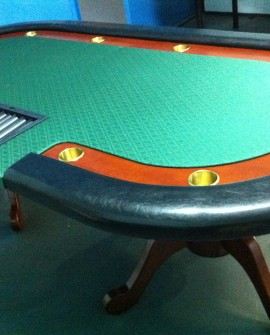 Full Texas Holdem Poker Table w/ Wooden Legs